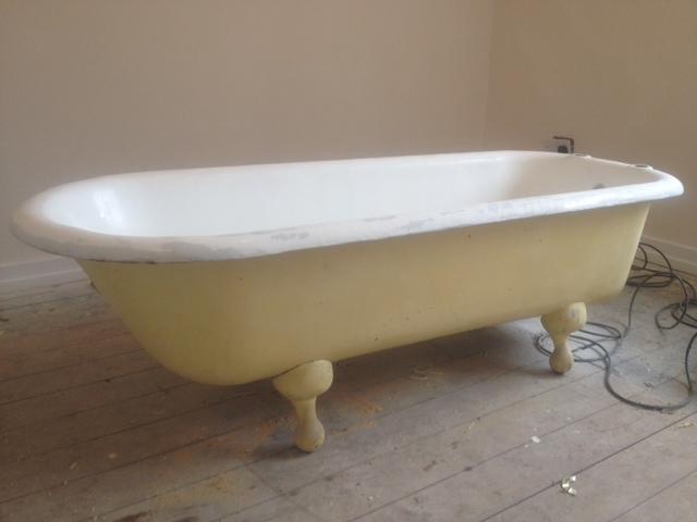 Bath Spa Hot tub resurfacing chip crack repair re-colour Pristine ...